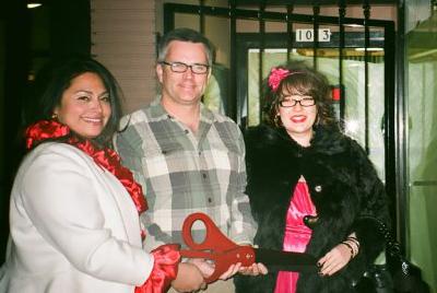 Carlee and Annie with Mayor Sam Adams